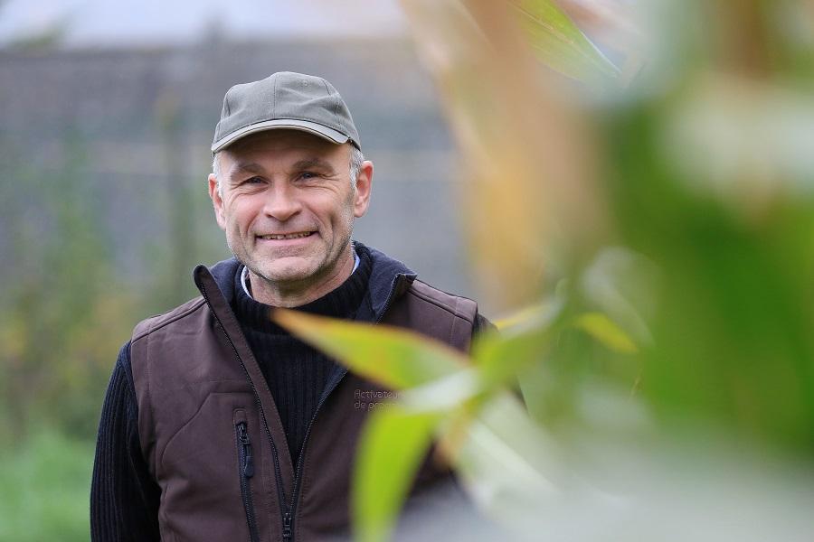 [VIDEO] L'amour est dans le pré 11 : les portraits des agriculteurs