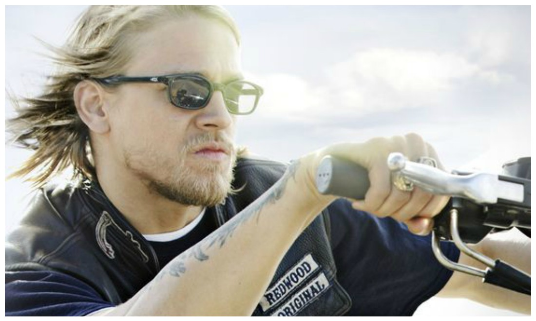 Zoom sur le look motard de Jax Teller des Sons of Anarchy. Crédits photo : Sons of Anarchy