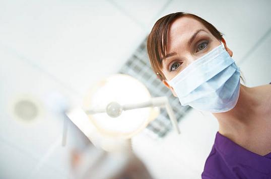 CAPITAL : Enquête sur les soins dentaires sur M6